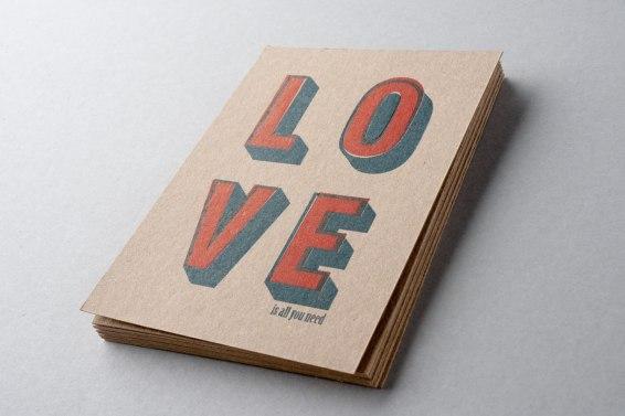 LOVE postcard 3,90 €