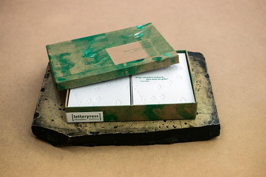 letterpress-postcard-spuren-im-schnee_INT1439