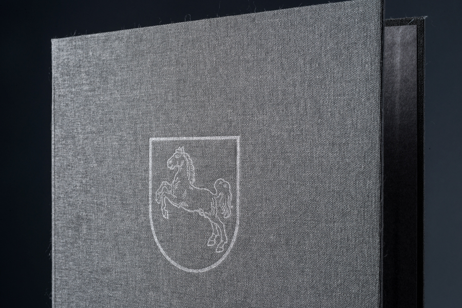 Prägung-Notar-Lühr@letterpress-manufaktur-Salzburg_INT4916